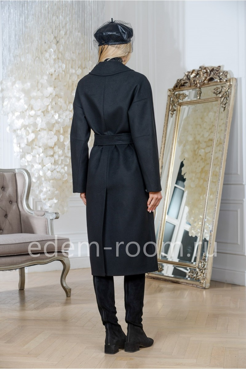чёрное пальто под пояс