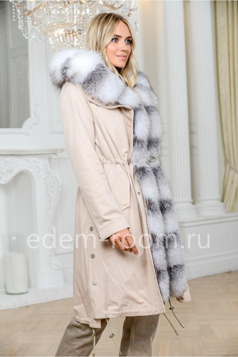Парка с мехом белой лисы