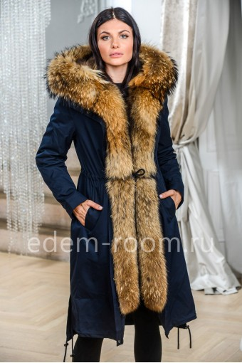 Парка - пальто на мехе енота
