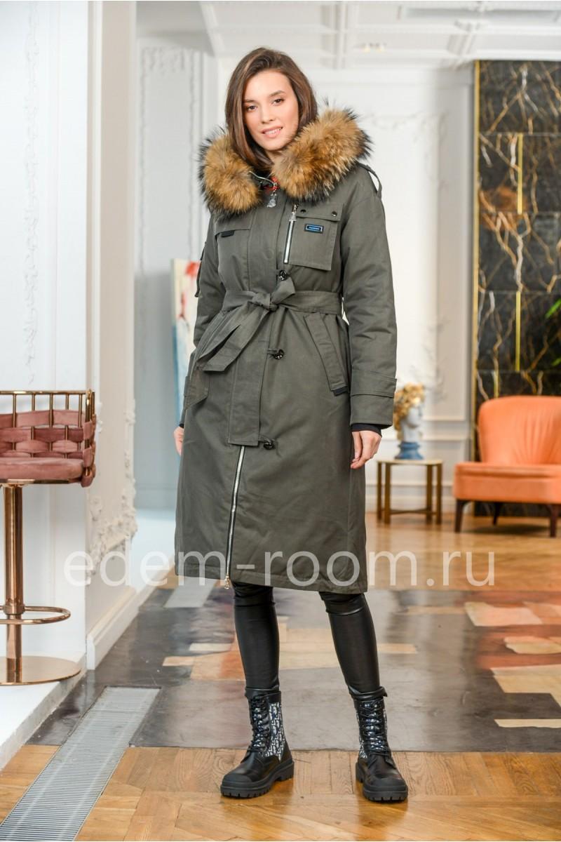Пуховое пальто с капюшоном и мехом