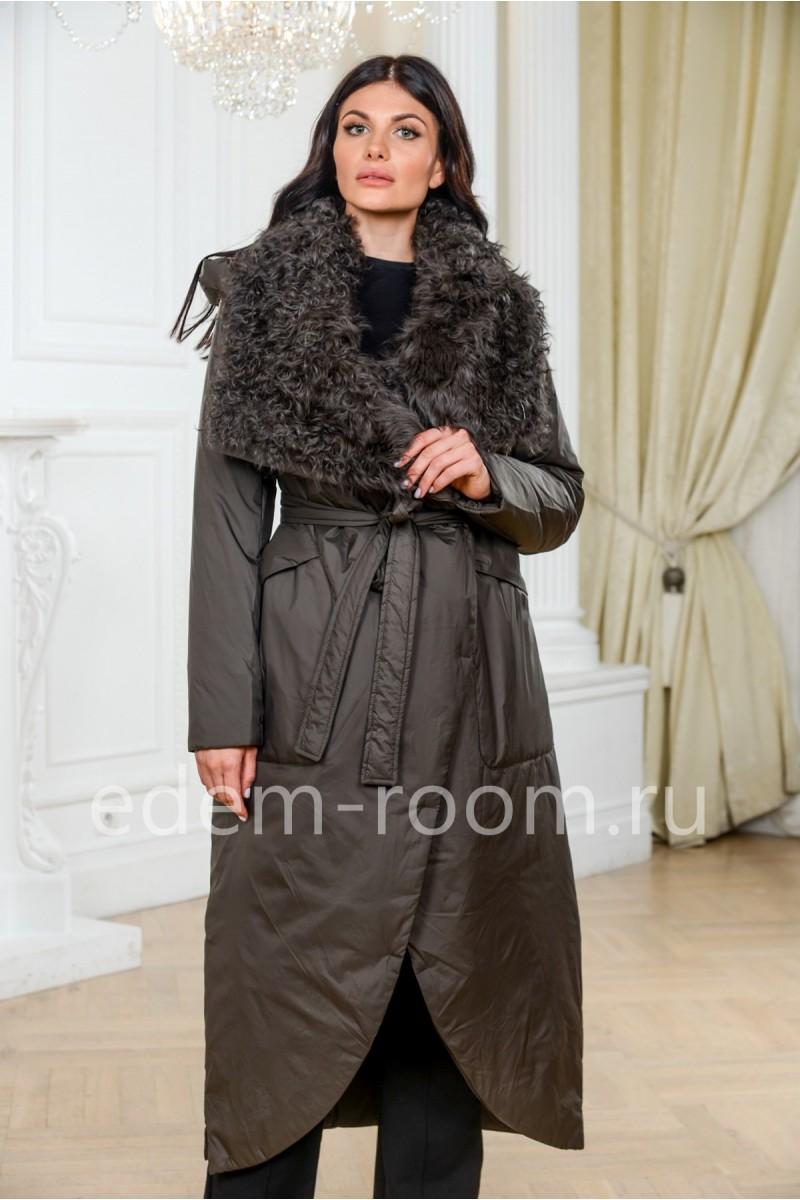 Пуховое пальто с меховым воротником