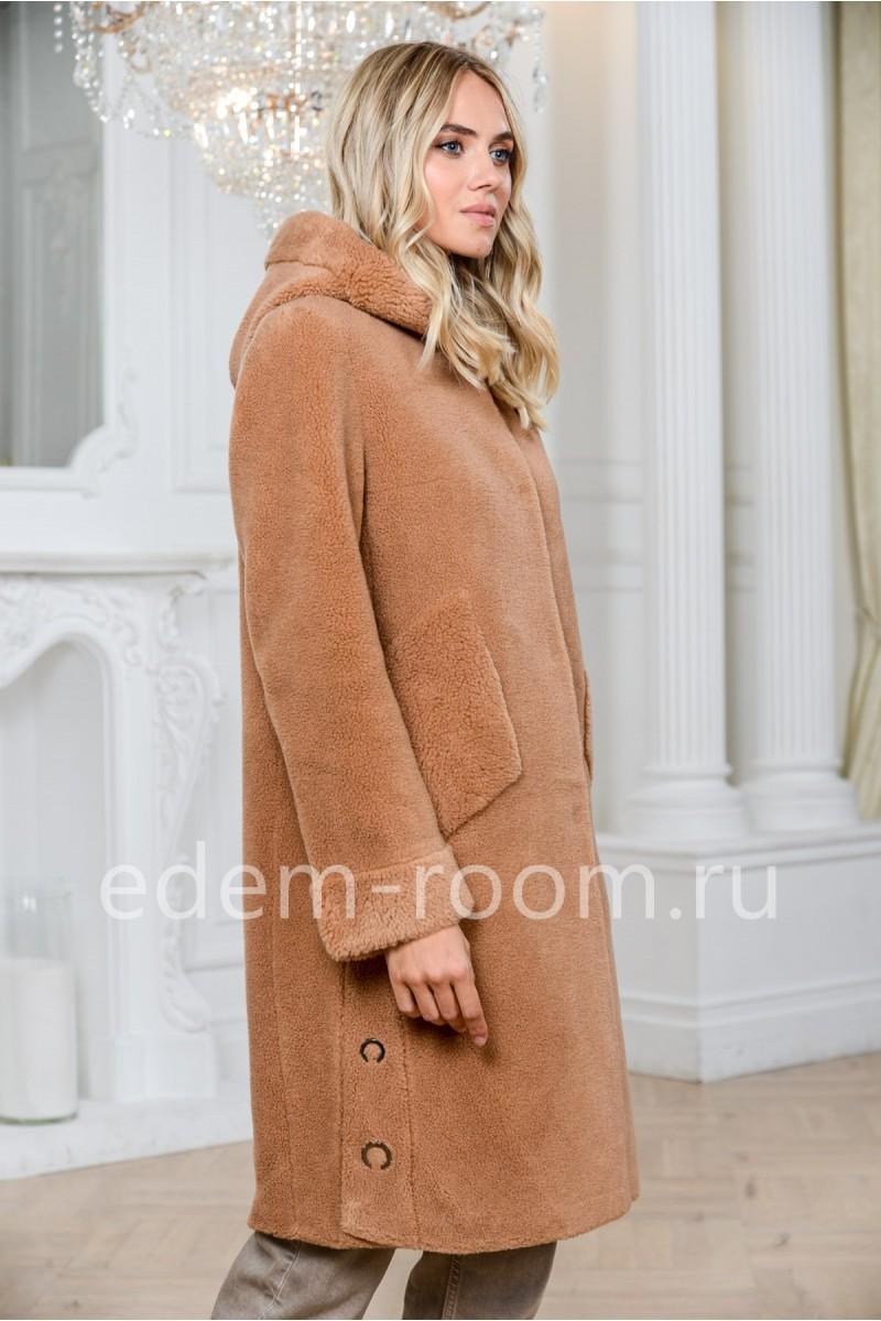 Меховое пальто с капюшоном из шерсти