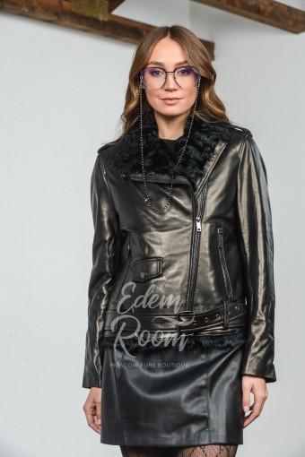 Зимняя кожаная куртка на мехе барашка