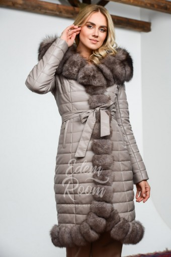 Зимнее пальто из экокожи с мехом