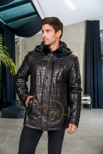 Теплая куртка из кожи с капюшоном