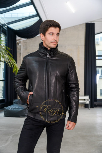 Зимняя кожаная куртка на резинке