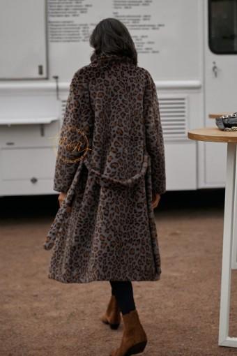Демисезонное пальто из эко-меха