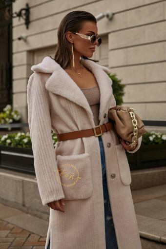 Светлое шерстяное пальто