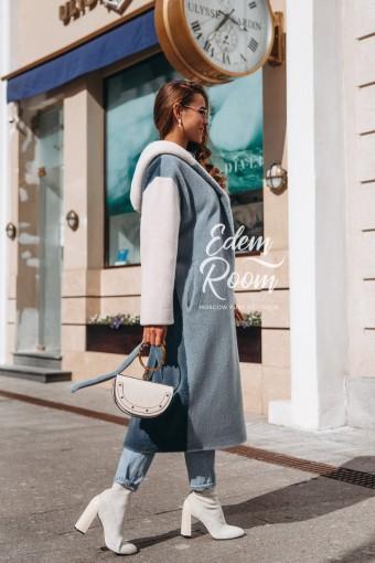 Шуба - пальто  из шерсти с капюшоном