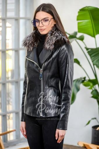 Демисезонная куртка из кожи