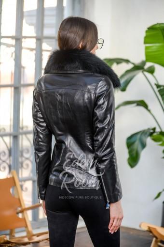 Женская кожаная куртка для межсезонья