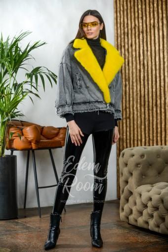 Стильная джинсовка с меховым воротником