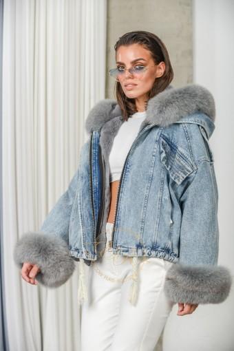 Меховая джинсовая куртка с капюшоном