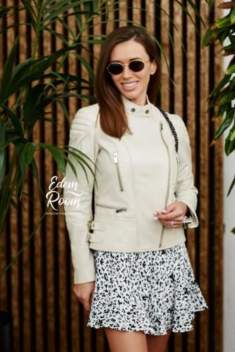 Белая куртка из натуральной кожи