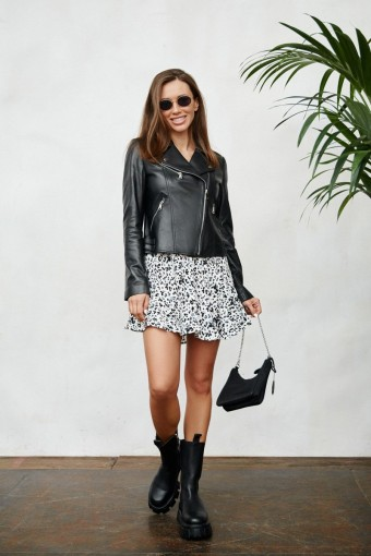 Осенне -весенняя чёрная куртка