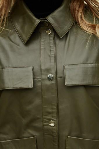 Зеленая куртка - рубашка из натуральной кожи