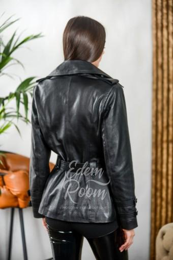 Куртка из натуральной кожи на пуговицах