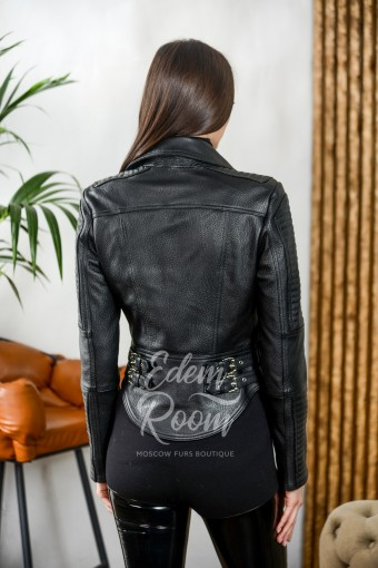 Короткая куртка из натуральной кожи