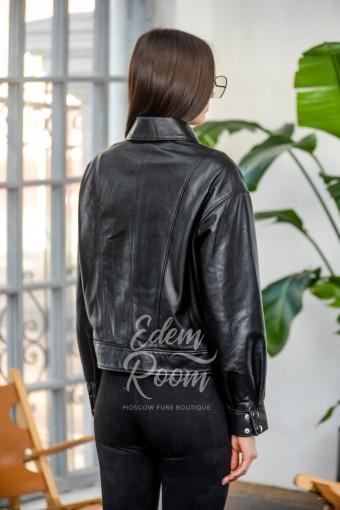 Свободная куртка из натуральной кожи на молнии
