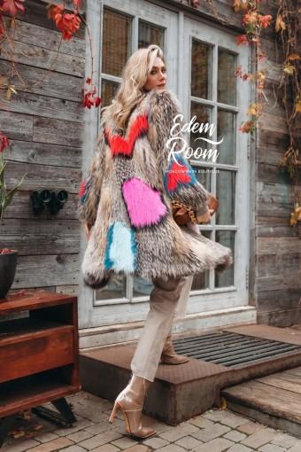 Яркое пальто из меха лисы