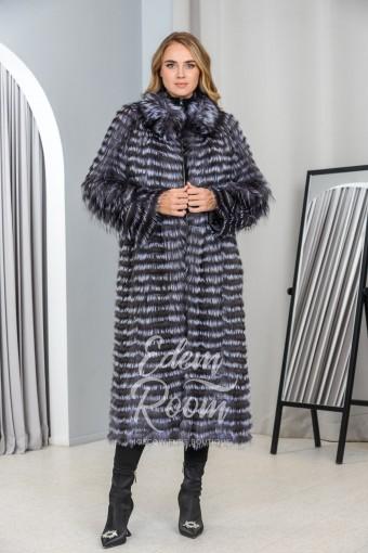 Удлинённое меховое пальто из чернобурой лисы