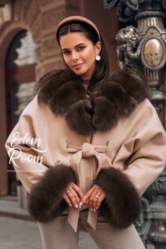 Пальто - пончо  с меховым капюшоном из финского песца