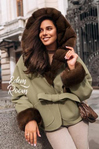 Пальто - пончо с полностью меховым капюшоном из норки