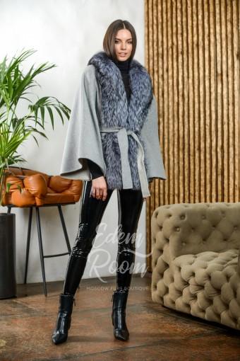 Пальто - пончо с мехом чернобурой лисы