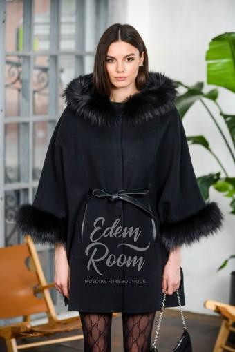 Демисезонное пальто - пончо с мехом