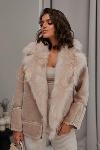 Модная куртка из шерсти с мехом