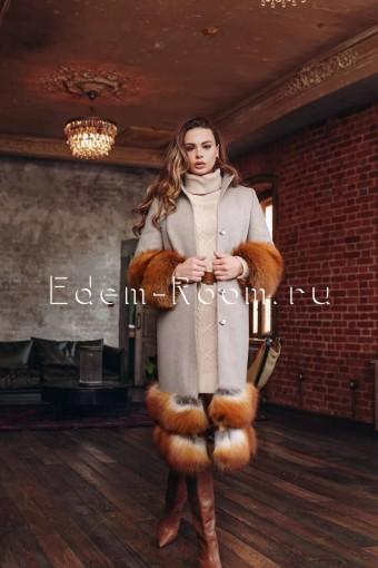 Эксклюзивное пальто с мехом финской лисы