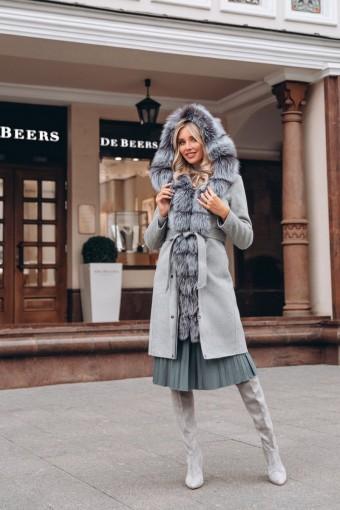 Пальто - парка отороченная мехом чернобурки