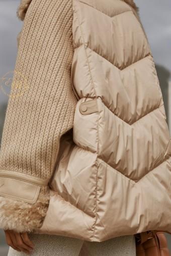 Модный пуховик с мехом тиградо.  Италия