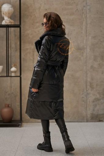 Чёрное дутое пуховое пальто