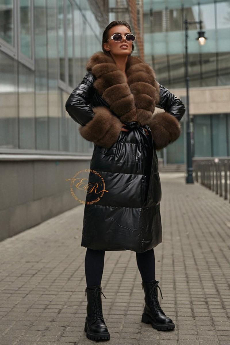 Чёрное пуховое пальто с мехом песца
