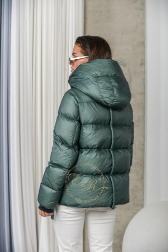 Невесомая куртка на пухе