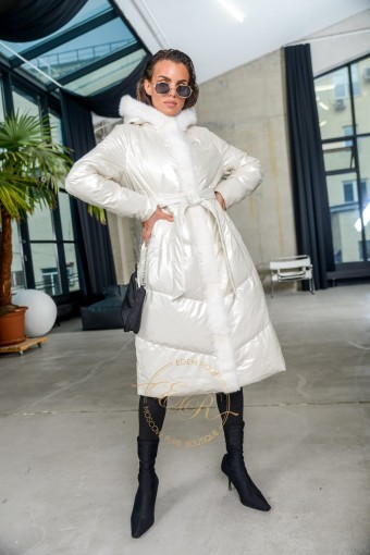 Пуховое пальто с капюшоном
