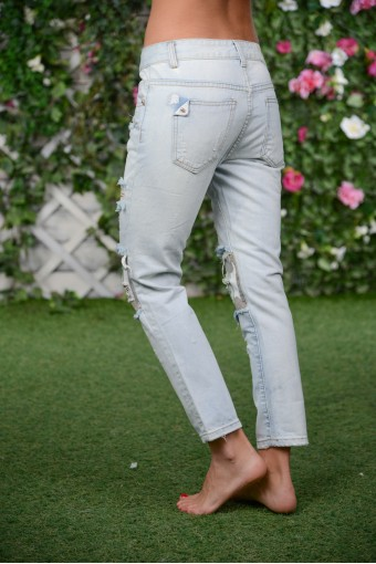 Укороченные джинсы со вставками