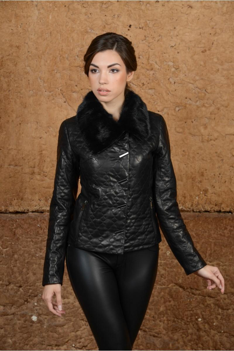 Чёрная кожаная куртка с мехом норки