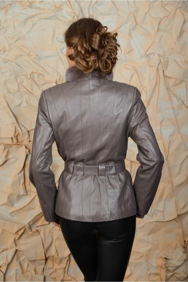Элегантная женская куртка на весну