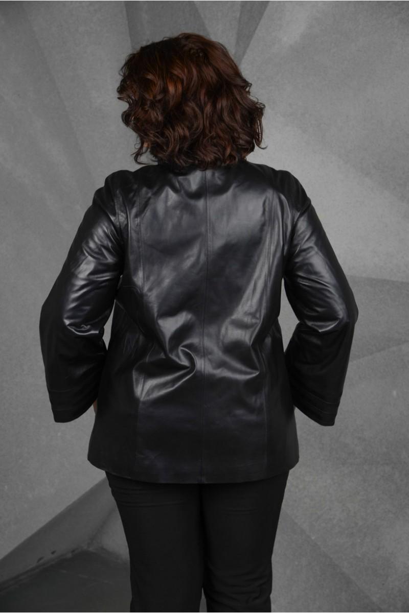 Чёрная кожаная куртка больших размеров