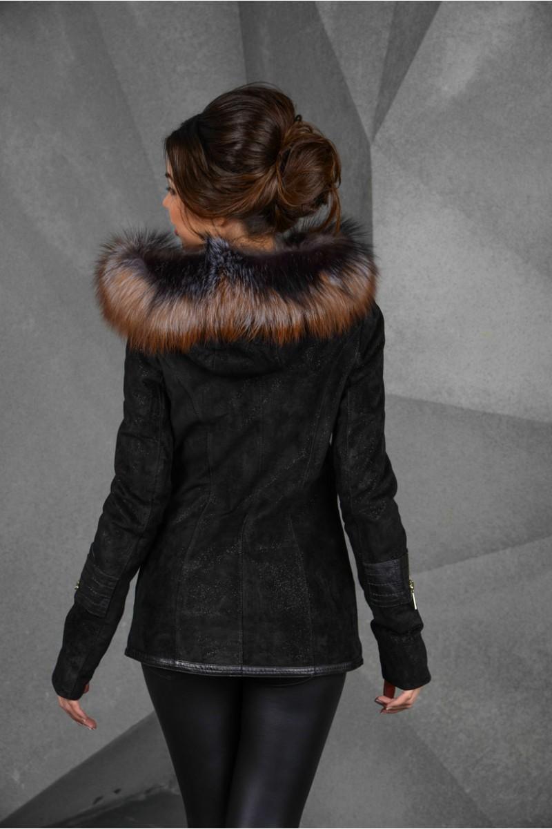 Осенне - весенняя замшевая куртка