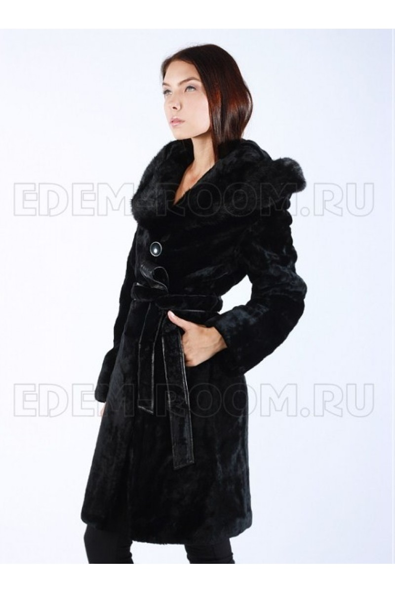 Женская Шуба из мутона с капюшоном
