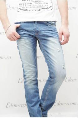 Потёртые джинсы