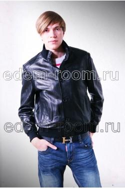Стильная классическая черная кожаная куртка