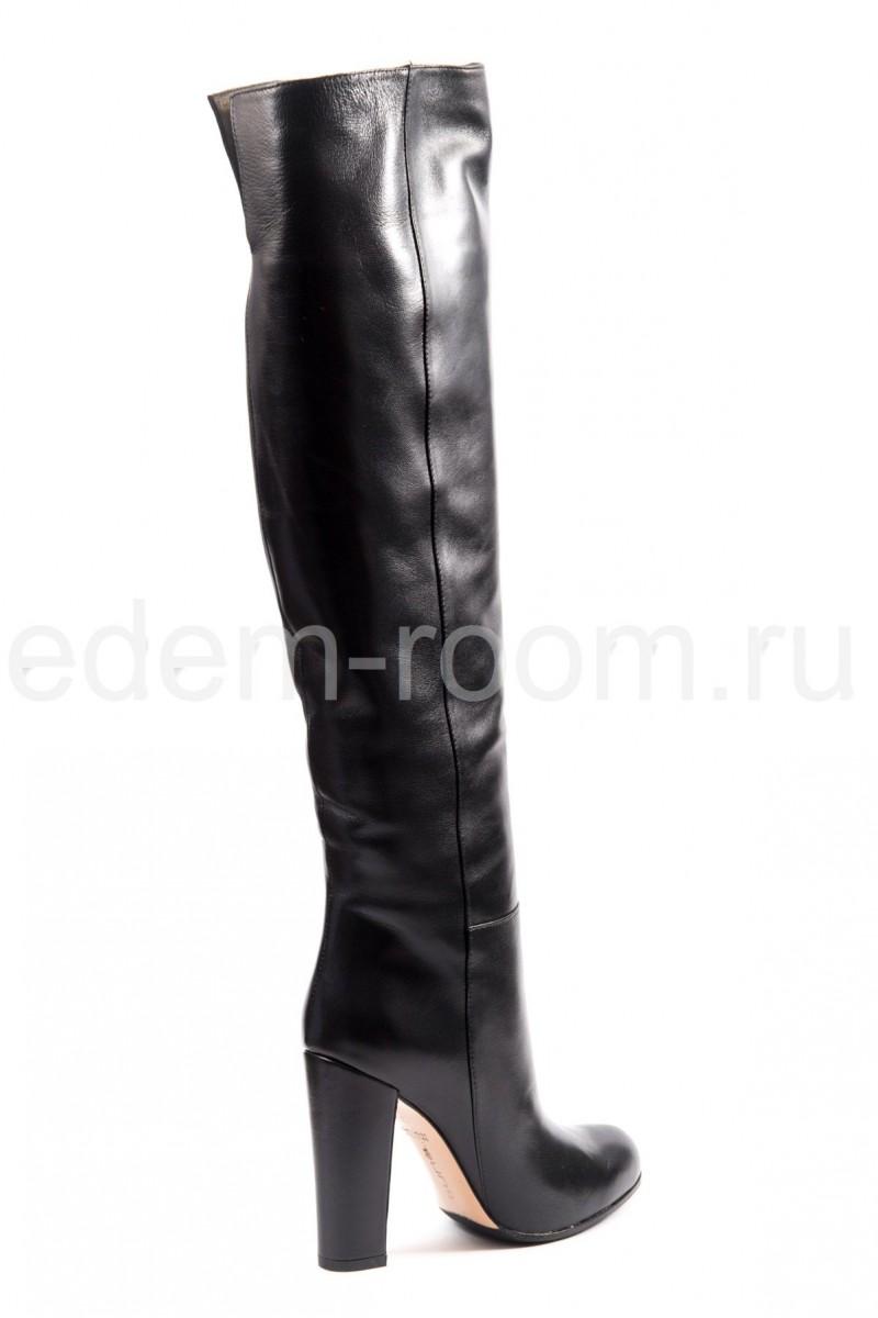 Высокие сапоги на каблуке