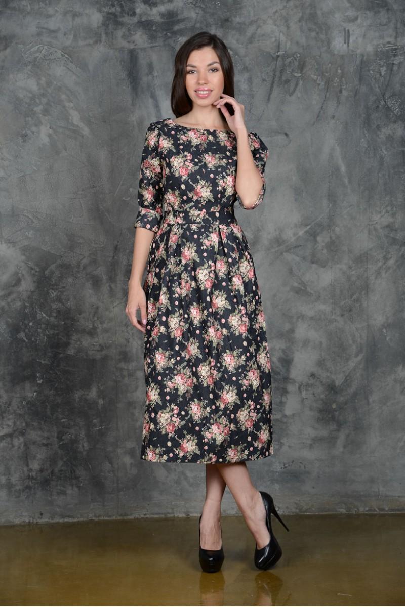 Длинное модное платье