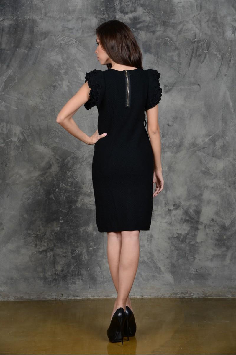 Чёрное вязанное платье