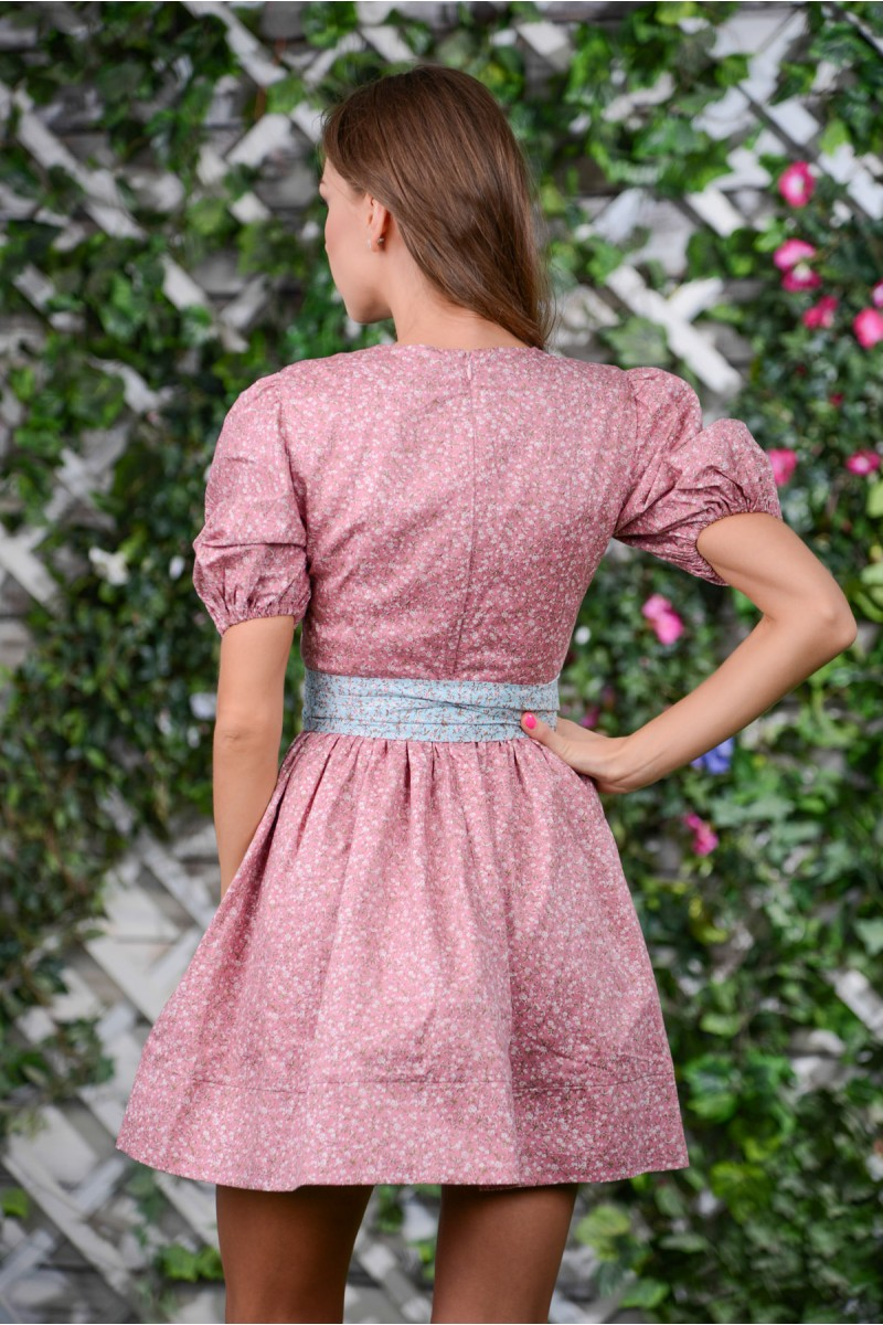 Шикарное розовое платье