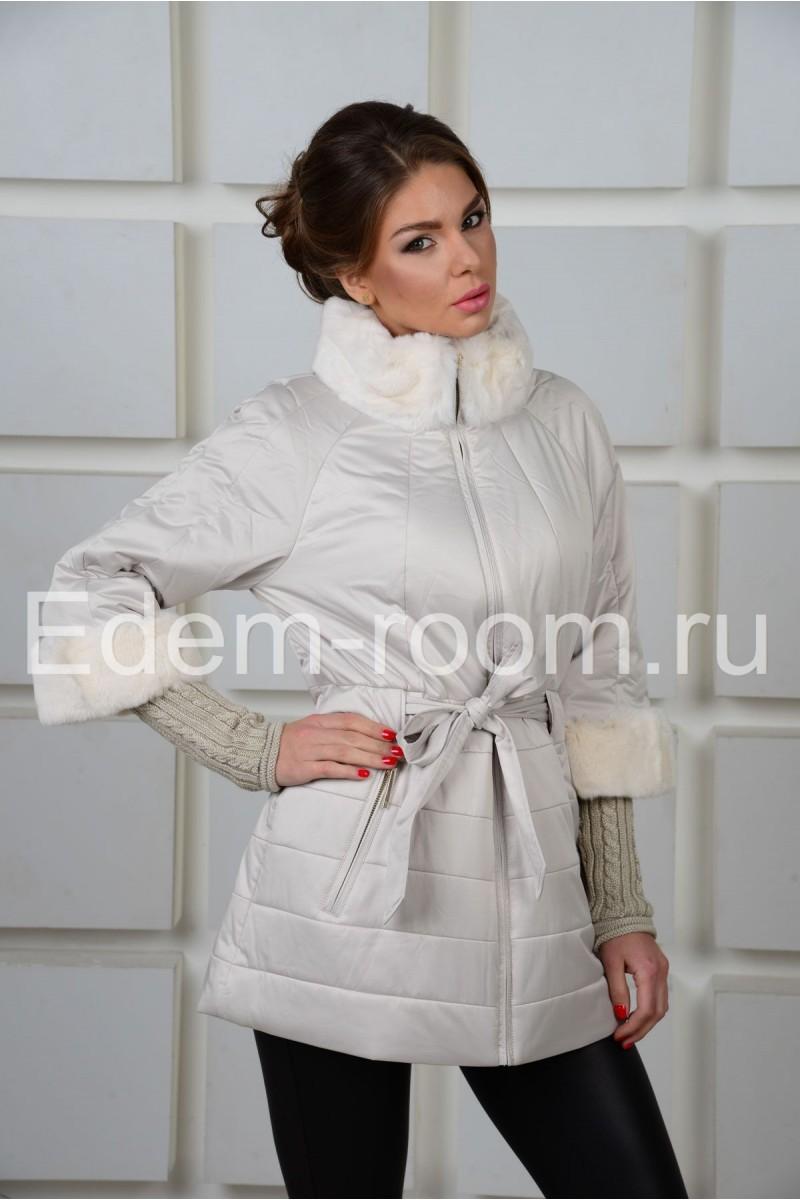 Удобная белая куртка